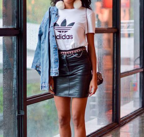 adidas-originals-look-tshirt-saia-couro-sandalia-rosa