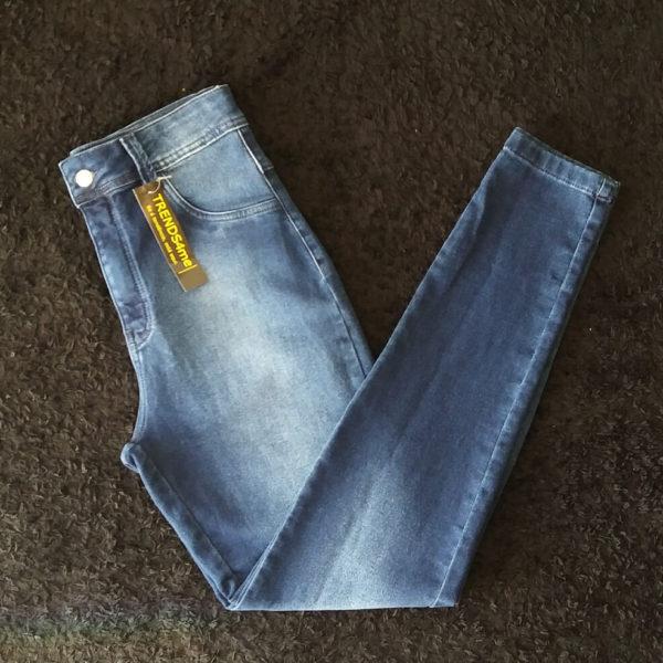 calça-jeans-escuro